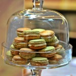 2013_pierre_herme_fetish_infiniment_cafe_coffee_macaron_vert.jpg