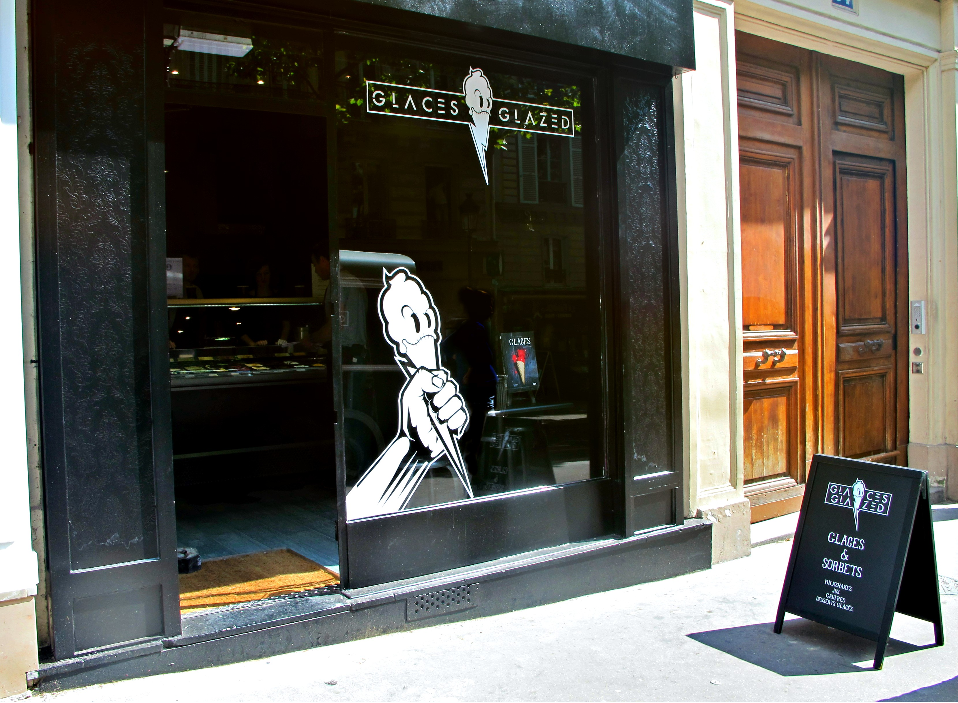 Glaces glazed creative and cool ice creams first store for Le miroir rue des martyrs
