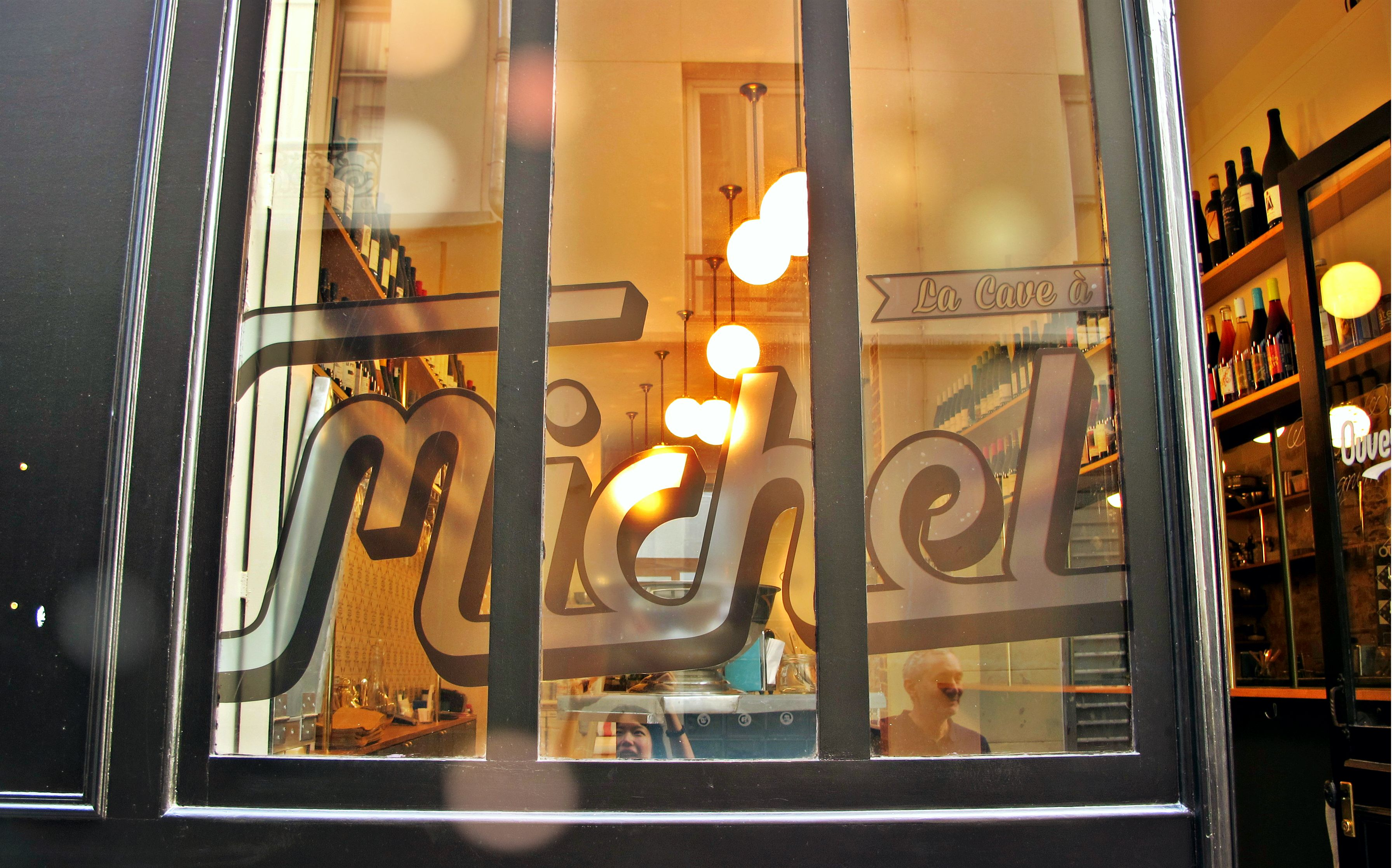 la cave michel great wine and food bar in paris. Black Bedroom Furniture Sets. Home Design Ideas